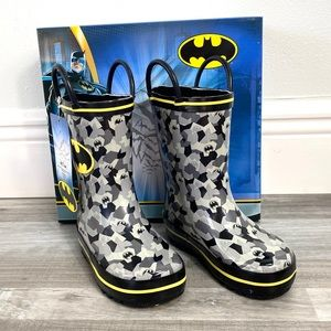 New Batman Rainboots Non-Marking Size 7 toddler
